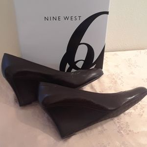 Brown Nine West Size 6 Wedges